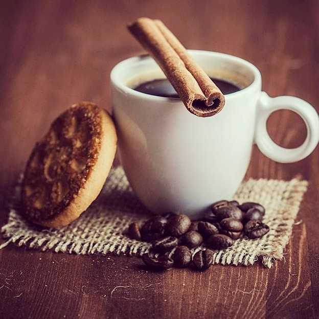Quem bebe café tem menos problemas cardíacos e vive mais, diz estudo